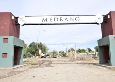 Asfaltado en Medrano.