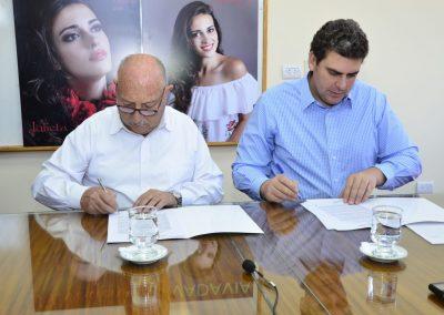 Se firmaron dos convenios para el departamento