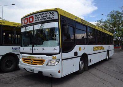 Entrega de becas de transporte para estudiantes