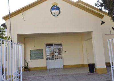 Rivadavia pinta escuelas en sus centenarios