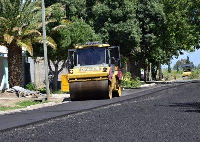 Comenzó el asfaltado de la cuarta etapa